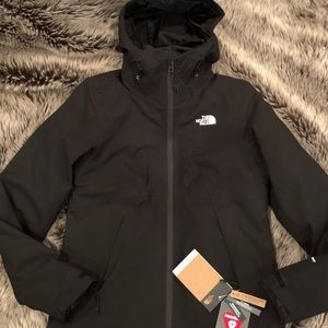 THE NORTH FACE WOMENS TRICLIMATE COAT-NEW W/ TAGS